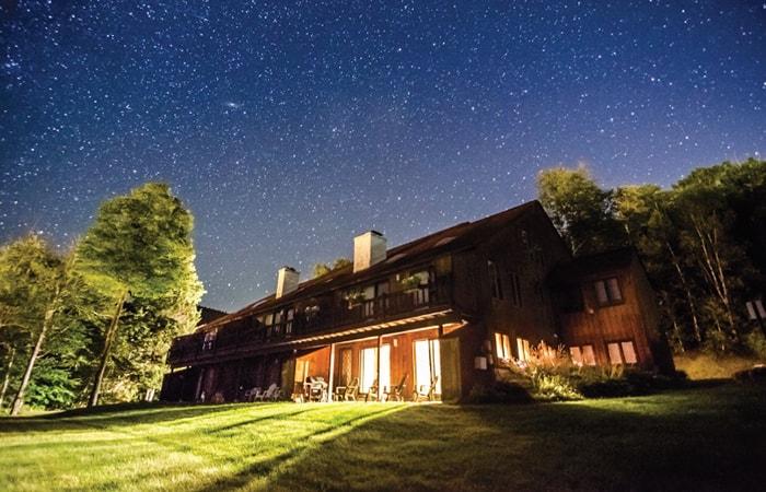 استفاده از سه پایه در عکاسی از ستارگان در شب